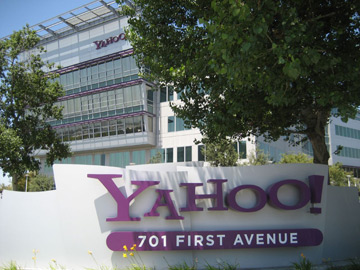 Российская Digital Sky Technologies может стать совладельцем Yahoo